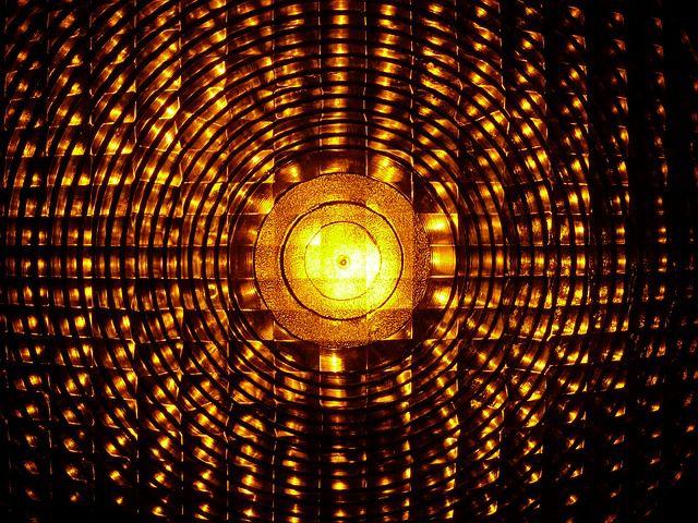 黄色信号-640x480